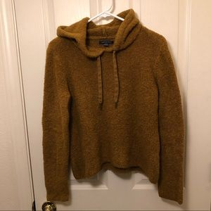 Pullover sweater hoodie